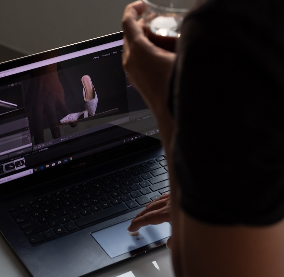 Wield desktop-like processing power on the move with Asus's ZenBook Pro 15 (UX580)