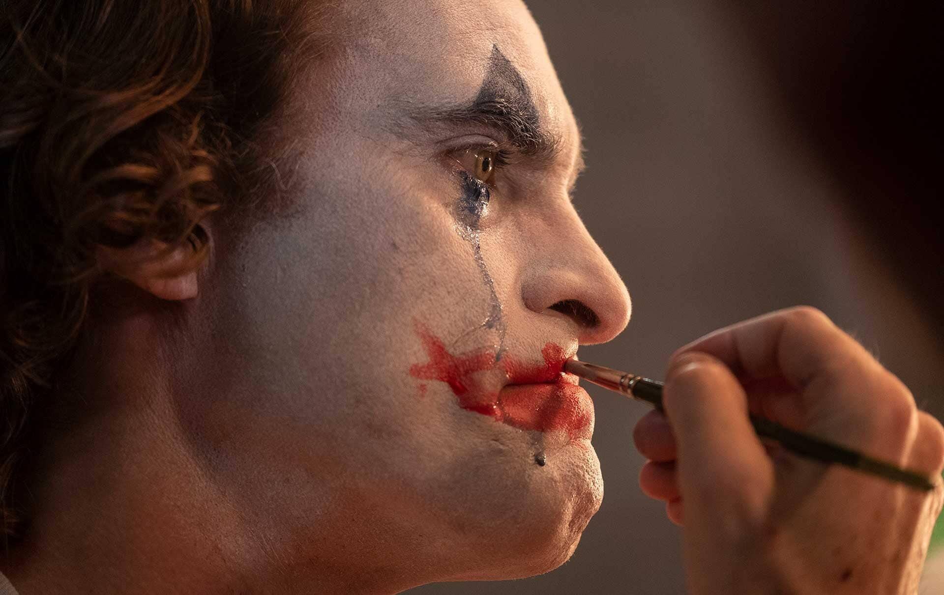 Joker and its dark observations of modern society (spoiler-free)