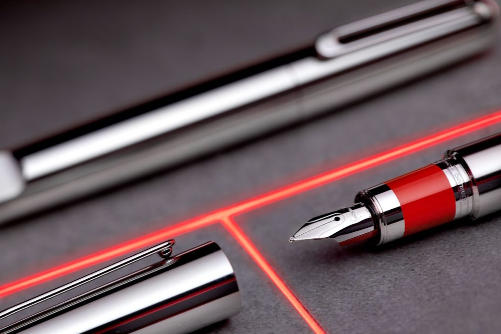(Montblanc M) RED's writing instrument