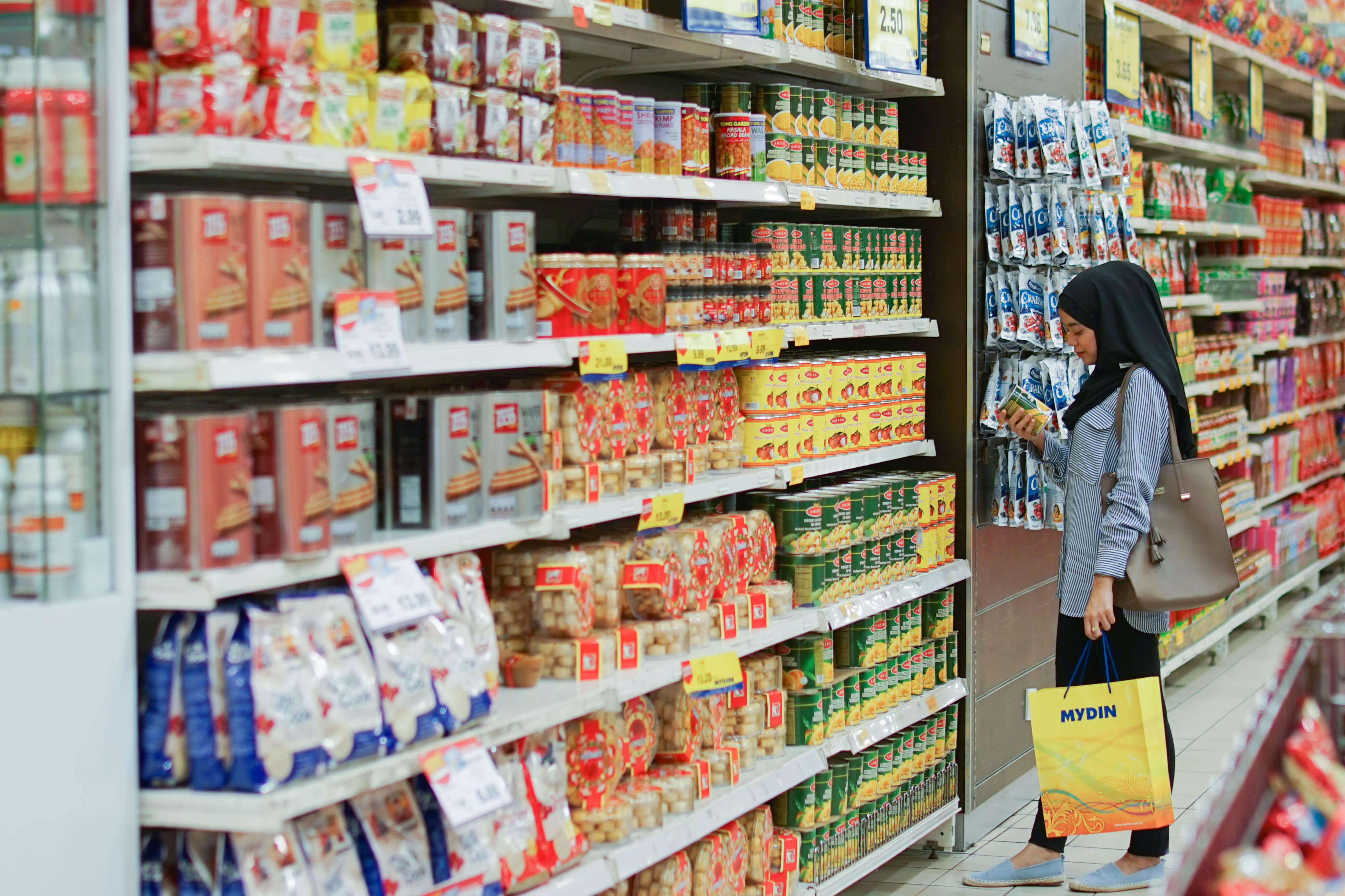 Here are some tips on how to grocery shop during this partial lockdown