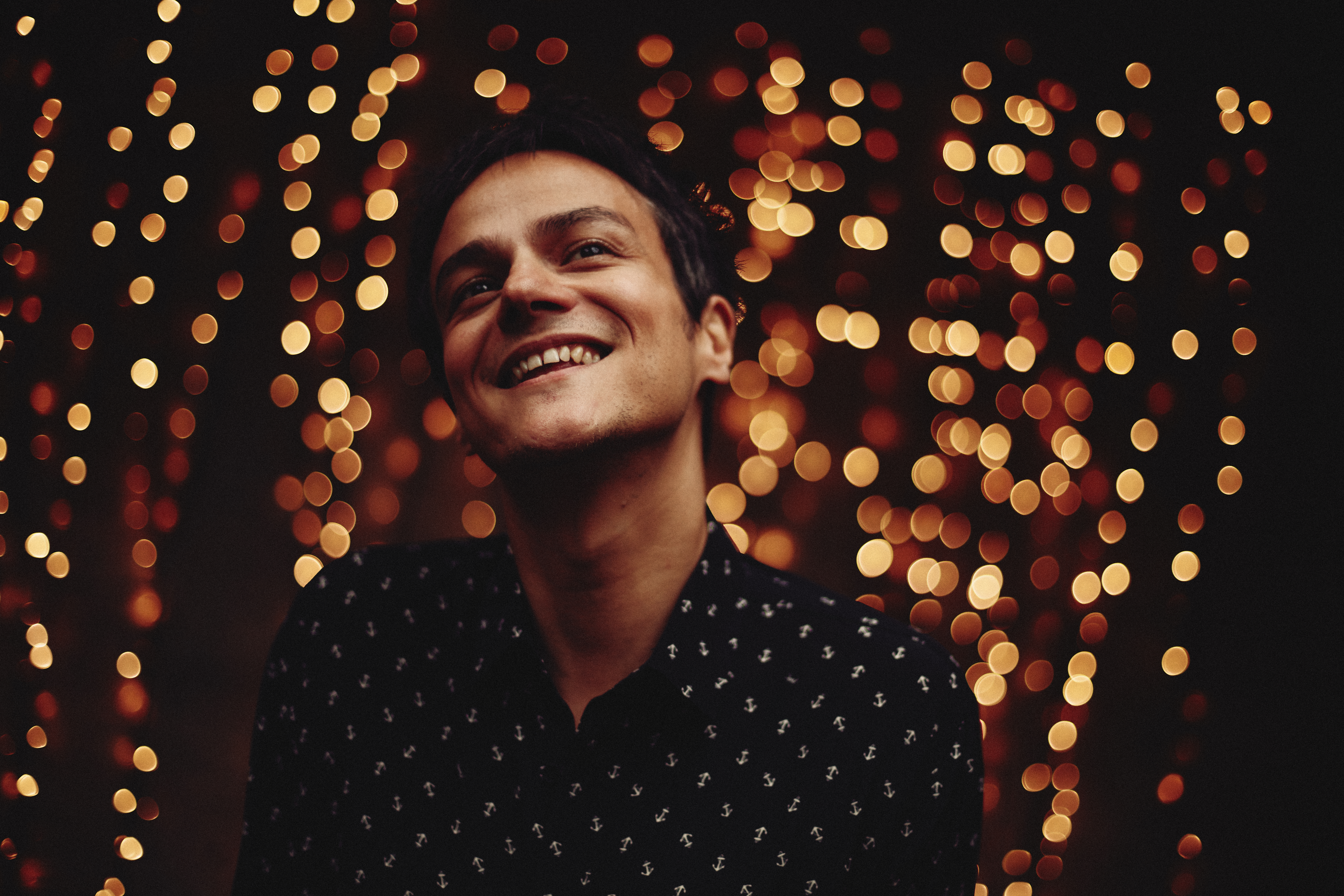 Spend A Few Minutes With The Pianoman At Christmas By Jamie Cullum