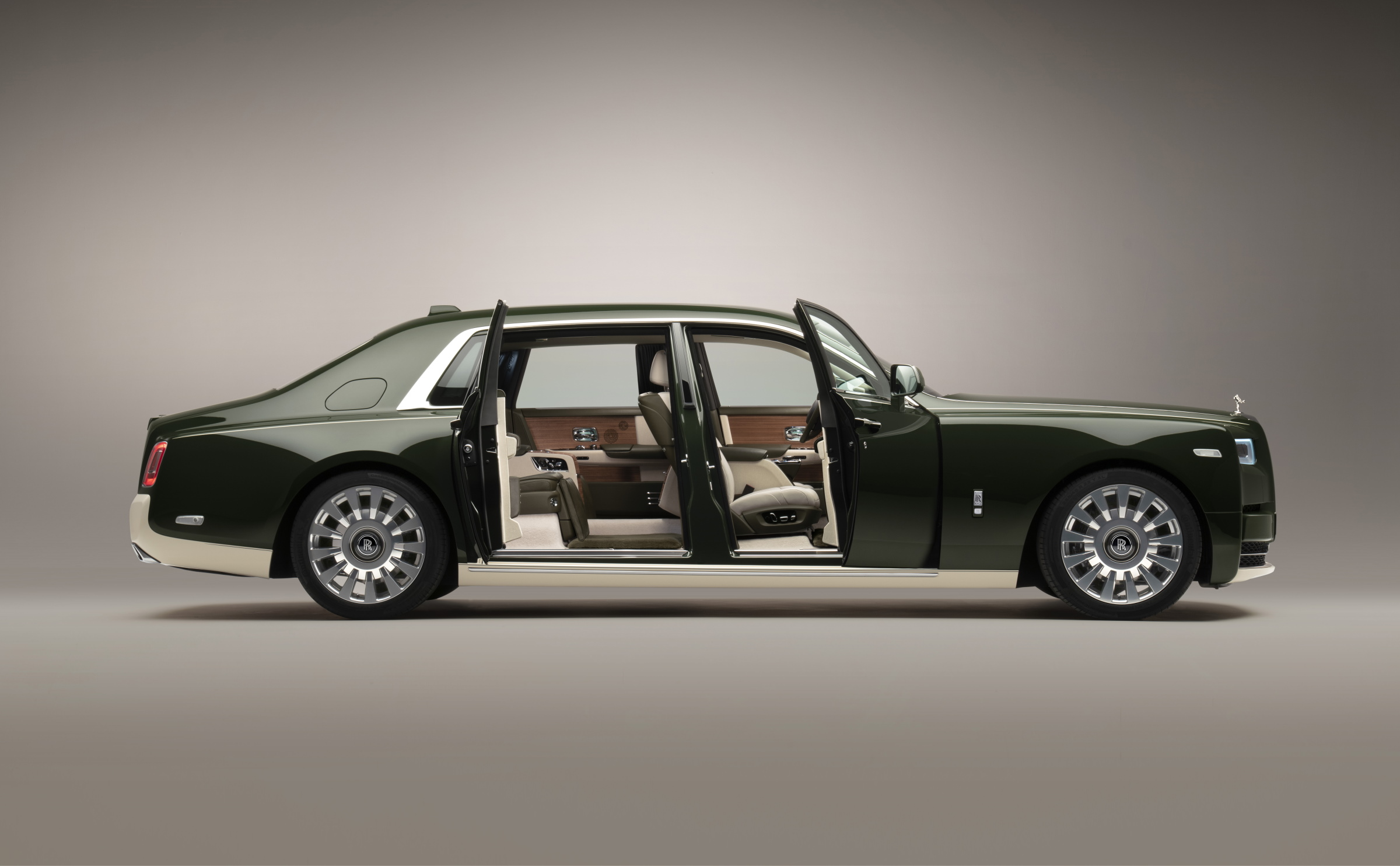 Rolls-Royce And Hermès Have Collaborated On A Bespoke Phantom
