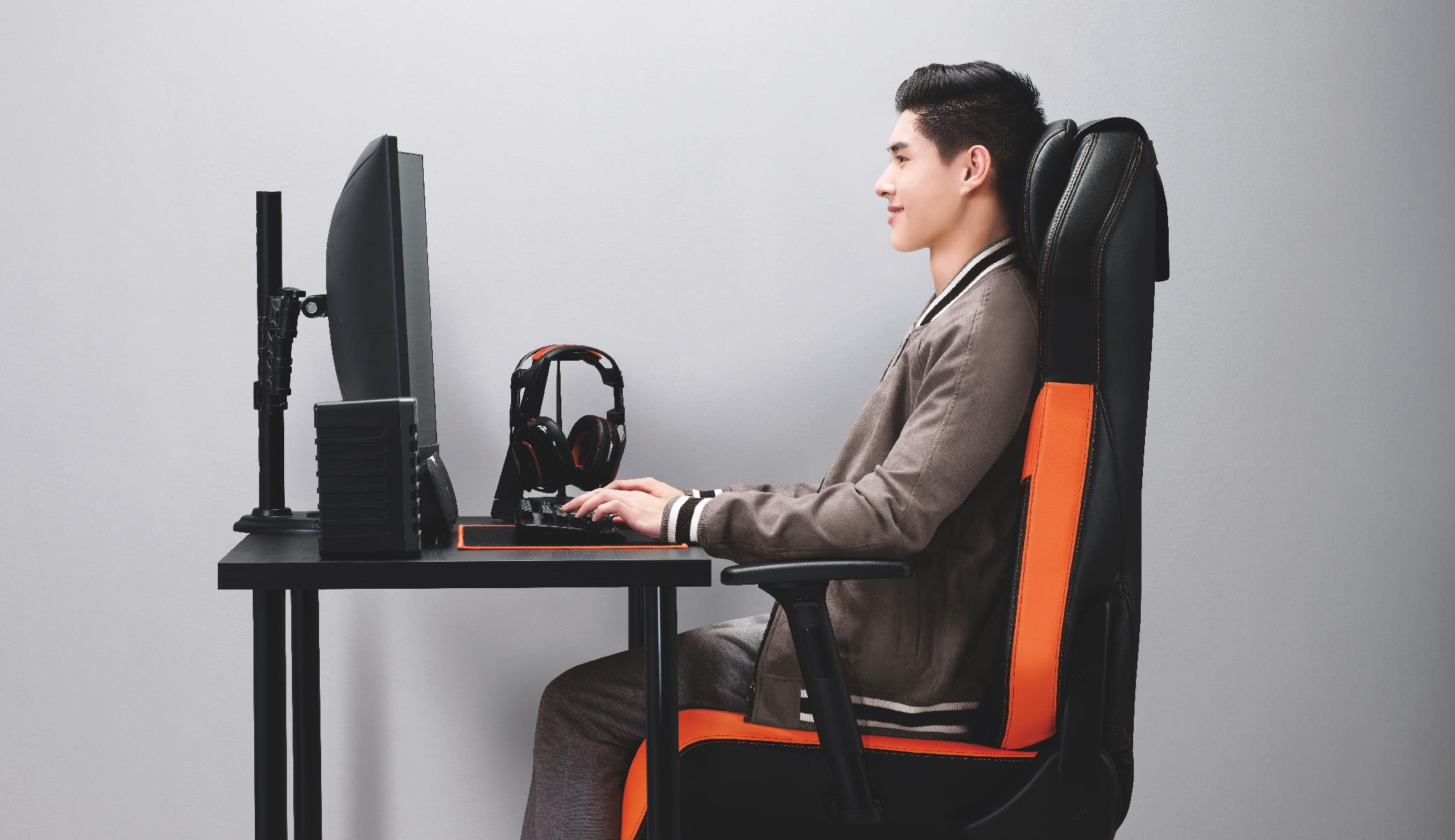 The OSIM uThrone Gaming Chair Is A Different Kind Of Gaming Beast