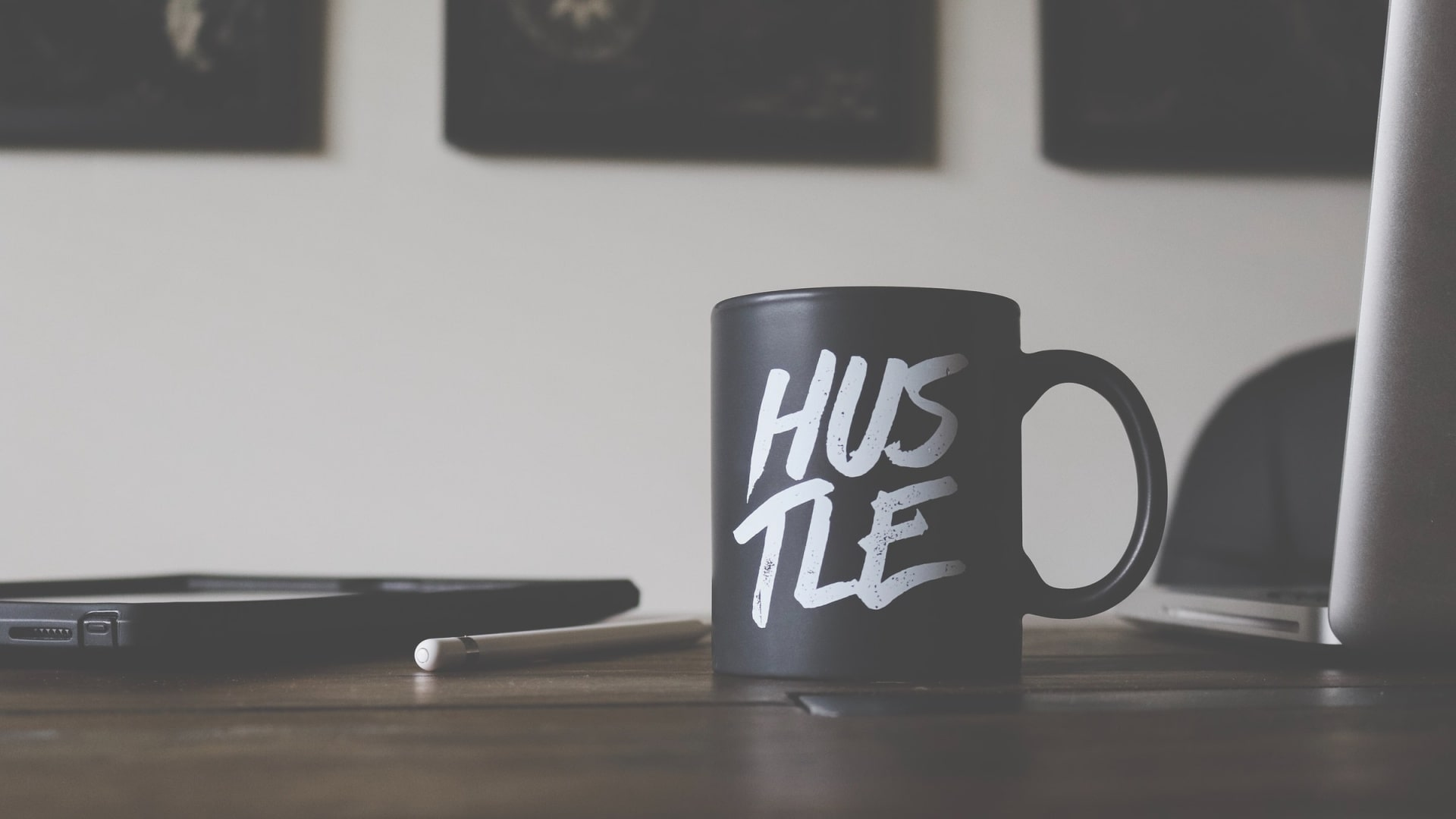 Easy Side Hustles To Do While Keeping Your Day Job