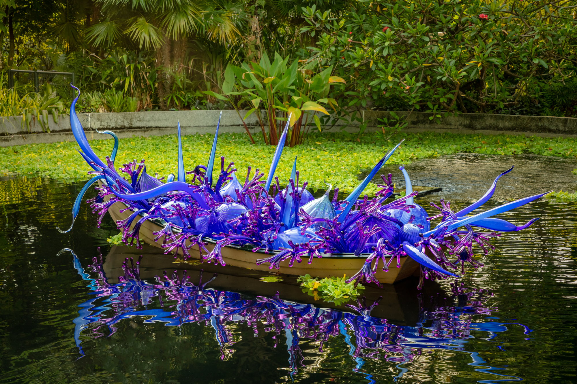Dale Chihuly: Glass in Bloom Can Now Be Enjoyed Virtually And For Free